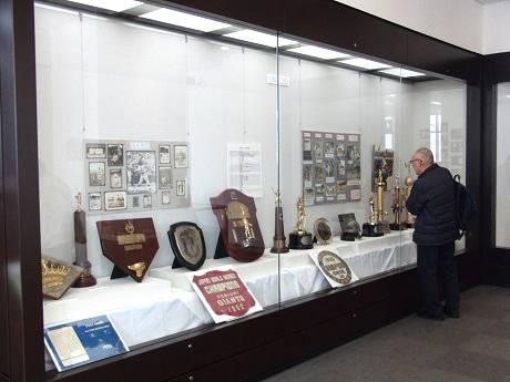 船橋西図書館で「吉澤野球博物館野球資料展」 水原茂展と野球書籍展