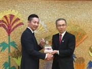 千葉ジェッツふなばしの島田慎二社長、市長・副市長に天皇杯連覇を報告