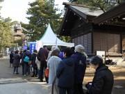 船橋大神宮で「ふなばし朝市」 地元食材を販売、開始前から行列も