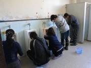 船橋・日本企画が湊町小学校でトイレ清掃 242人で隅から隅までピカピカに