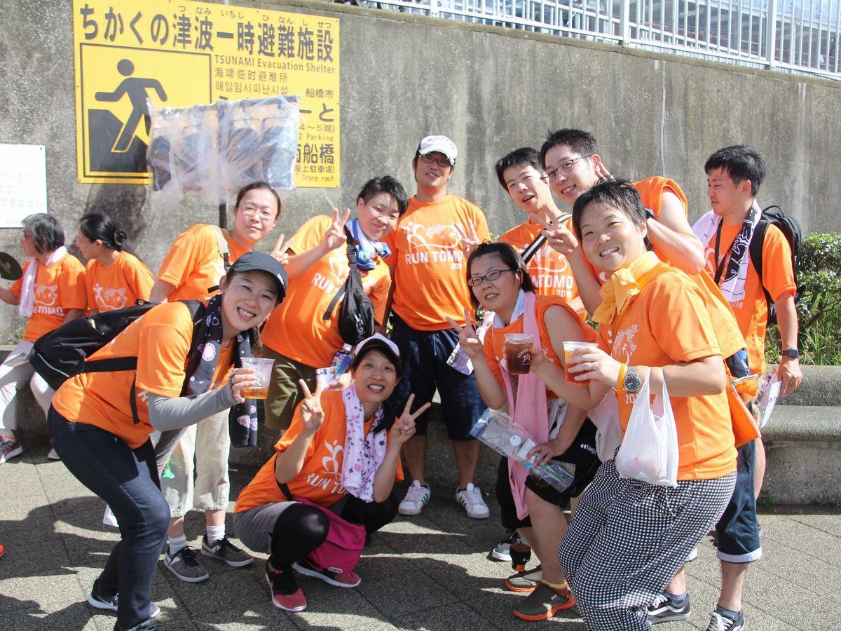 ハワアインフェスティバル会場に集まるRUN伴ランナー達