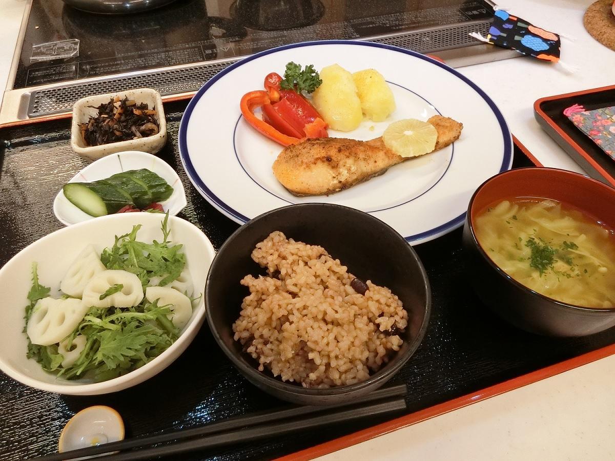 船橋・夏見台幼保園に「発芽玄米和食レストラン」 0~3歳の親子で食事