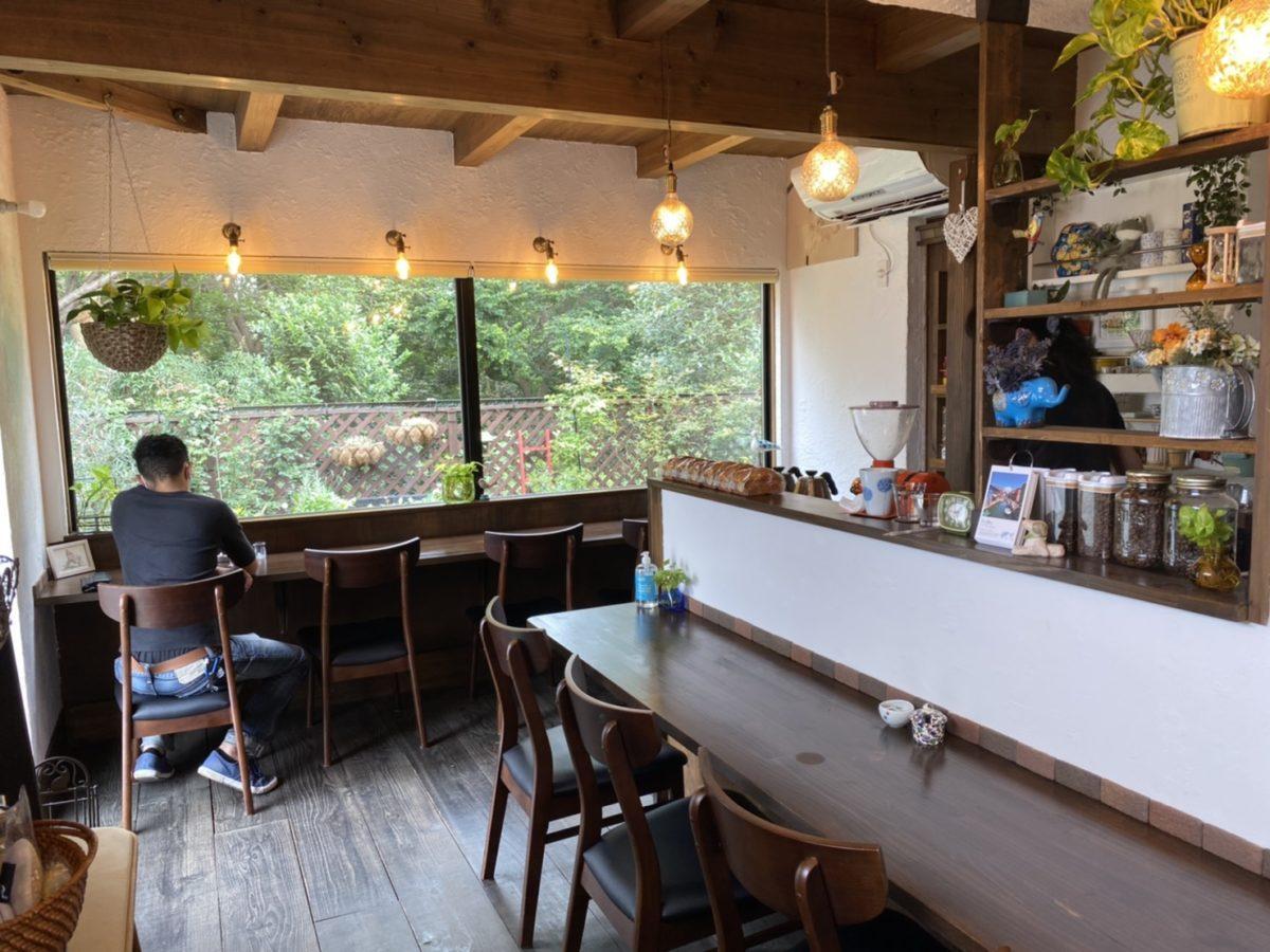 船橋の「カフェいとへん」が1周年 窓からの自然やコーヒーを楽しむ店 ...