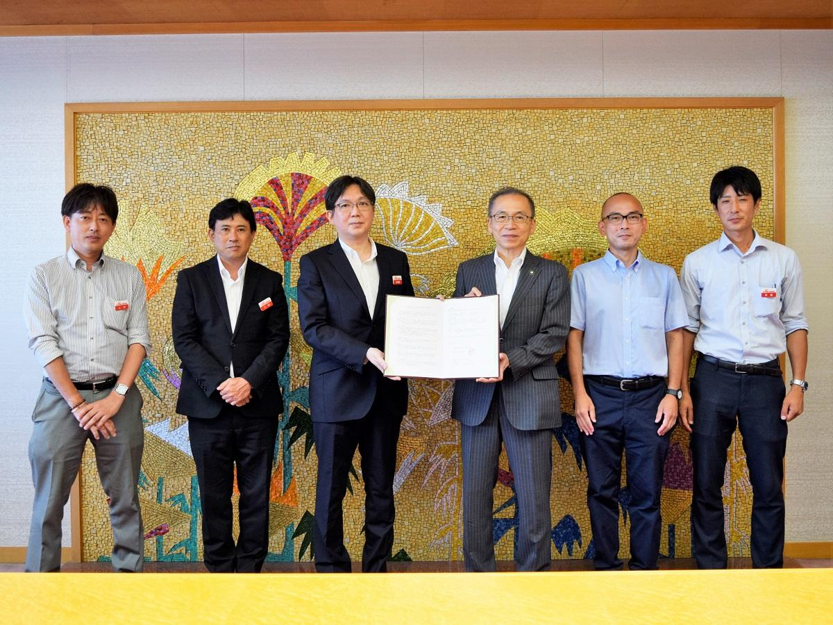 京成ストア、とくし丸の皆さんと船橋市長