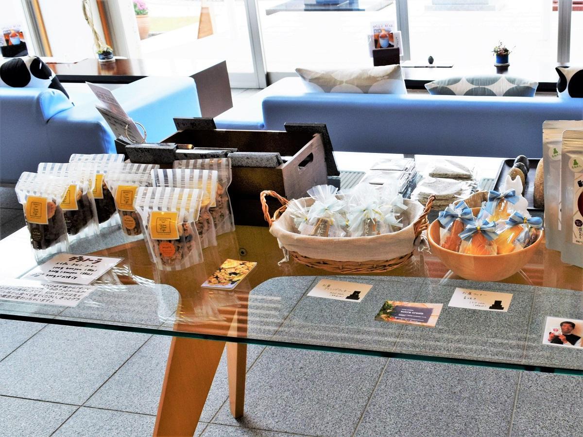 カフェの店内販売スペース