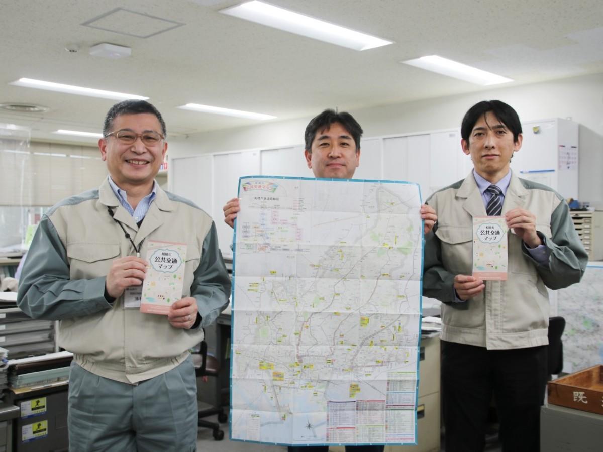 左から船橋市道路計画課の末松勇さん、関口英雄さん、交通政策係長染谷宏治さん