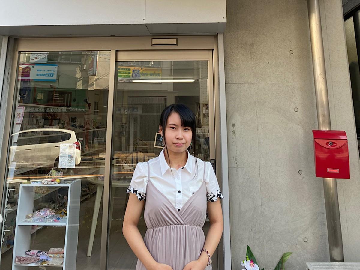 店主の湯浅愛美さん