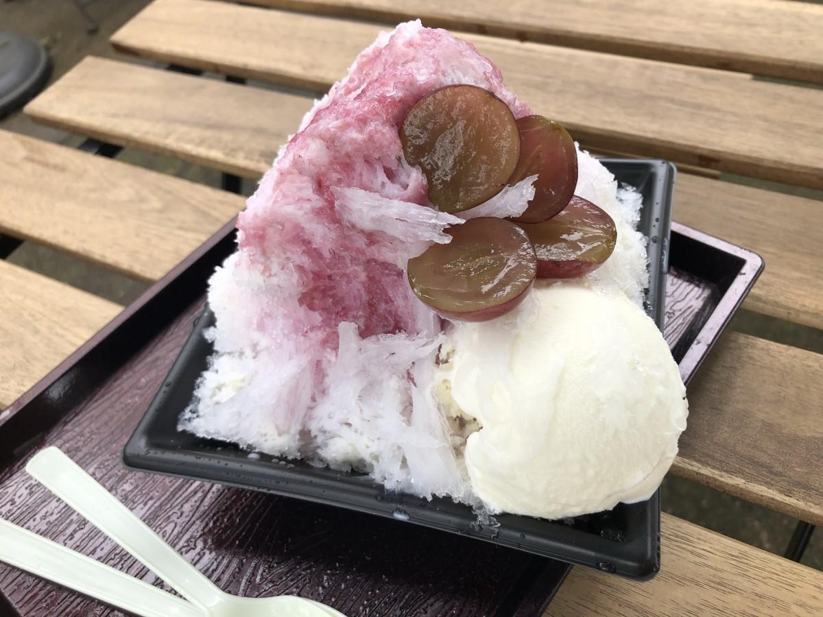 巨峰かき氷、アイスクリームトッピング