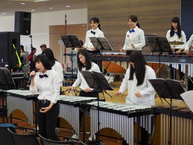 打楽器演奏で津軽海峡冬景色熱唱