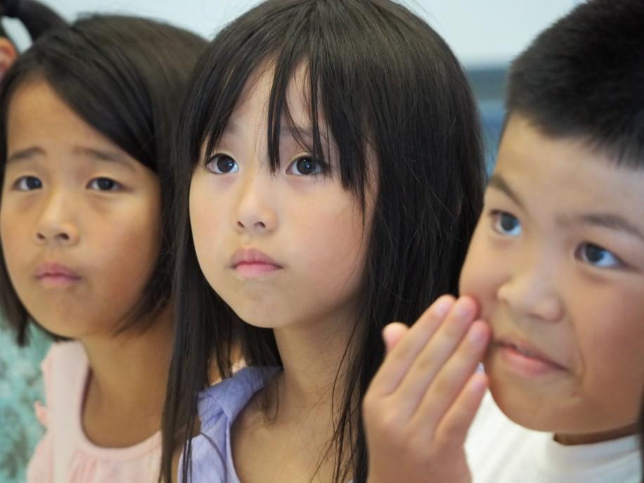 エコの学校に参加した児童ら