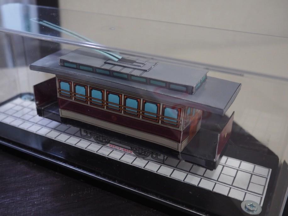 日本初の電気鉄道車輌を再現したペーパークラフト模型