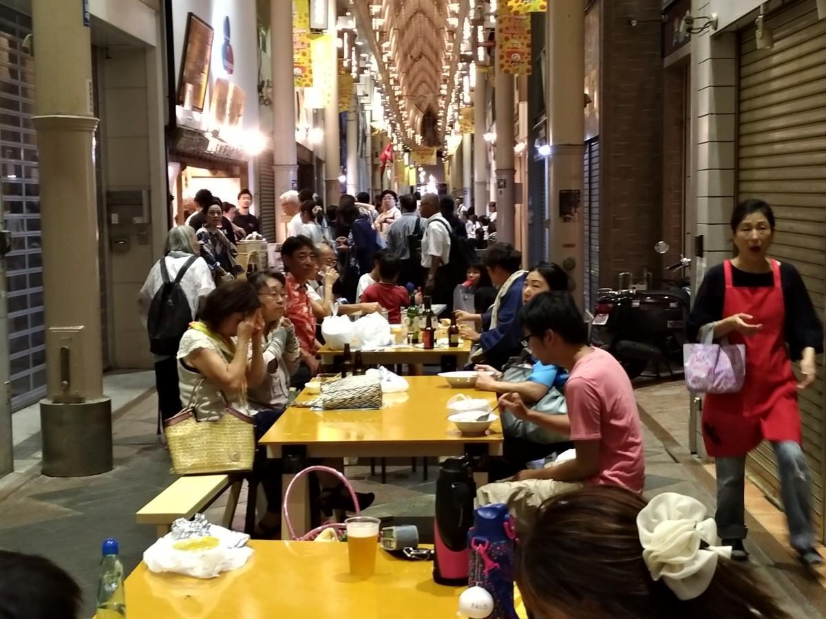 伏見・納屋町商店街で開催される「カレーなるイベント」、前回の様子