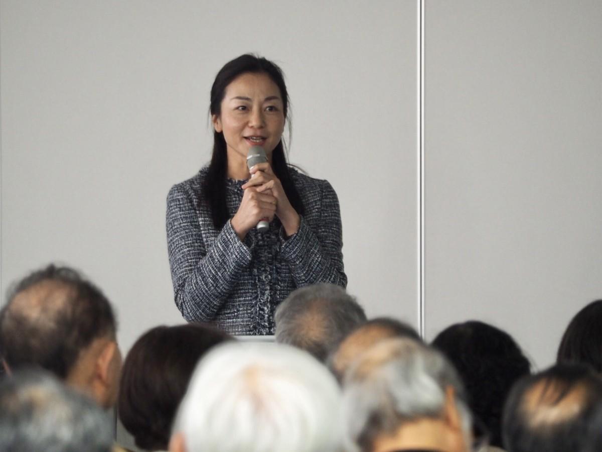 伏見区役所でセミナーを行う今泉宜子さん