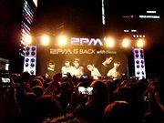 カンナム駅で「2PM」がゲリラライブ-新曲など披露に3000人熱狂