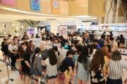 ソウルで人気キャラ「オーバーアクションウサギ」限定店 初日行列300人