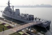 ソウルのハンガン公園に1900トン級の護衛艦 海軍生活体験も
