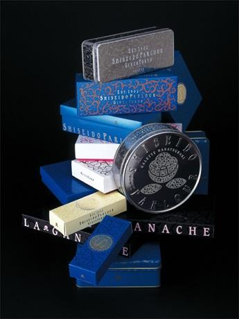 資生堂パーラー創業105周年で菓子パッケージを一新。資生堂伝統モチーフの唐草文様を基に「資生堂パーラー調に表現」した。