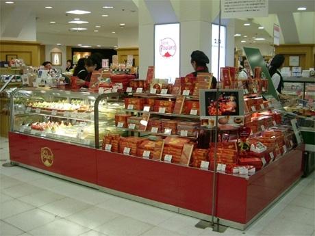 松屋銀座にオープンしたフランス菓子「ラ・メール・プラール」1号店。オリジナルの洋菓子も。