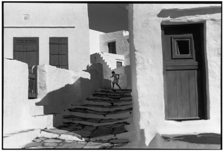 ©Henri Cartier-Bresson / MAGNUM Photos 「GREECE, Cyclades, Island of Siphnos, 1961」