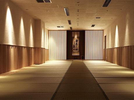 約30坪の禅堂では禅僧による「座禅指導」も受けられる