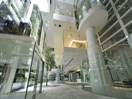 一夜限りのクラブが出現するニコラス・G・ハイエック センター1階スペース