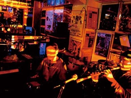 銀座5丁目~8丁目の7飲食店で開催する一夜限りの音楽パーティー「GL2009」。(写真=昨年の様子)