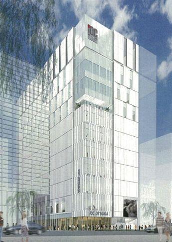 銀座1丁目に竣工した銀座柳通りビル。三井不動産が展開するビル同様に外壁にガラスを多用したのが特徴