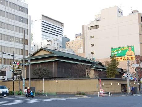 日本三大料亭の一つと称され、芥川・直木賞の選考会場としても知られる老舗「新喜楽」