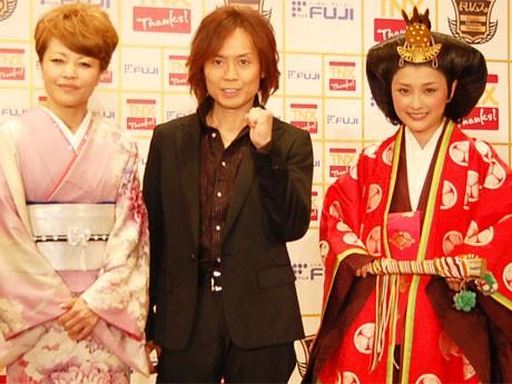 主演の石川梨華さんは徳川家で婚礼に使われたという15キロの衣装で登壇