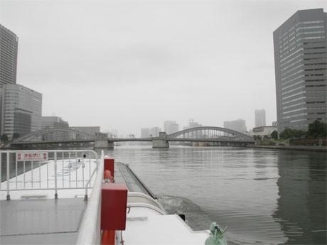 中央区では船7隻、バス11台を無料で用意し、エリア間の回遊性を高める