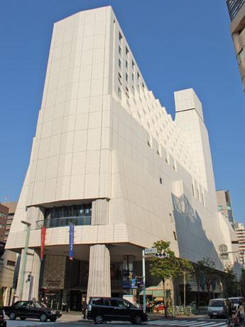 1987年に菊竹清訓さん設計によって竣工した「銀座テアトルビル」