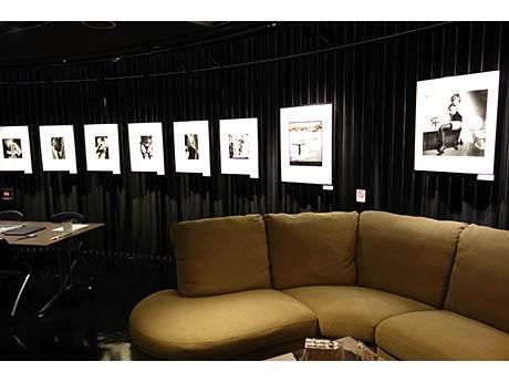 リコーイメージングスクエア銀座「A.W.P」の写真展「The Fashion」会場内