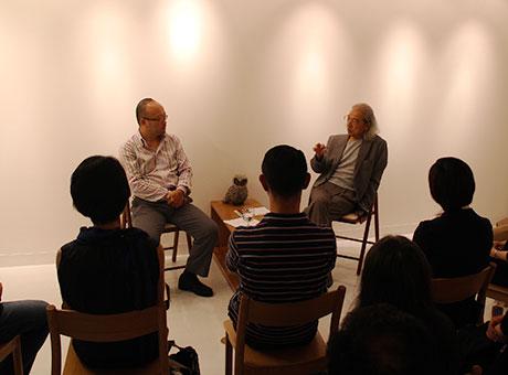 「ぎんけいさろん&ギャラリー」で開催されたトークショー「50 歳になったら見たい映画」の様子-右が立川直樹さん