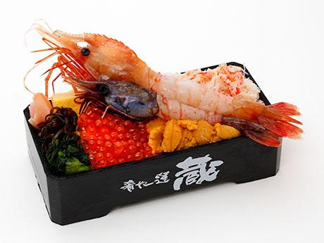 松屋銀座の「北海道展」で販売する「二大海老食べ比べ弁当」(2,376円)
