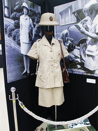 1971(昭和46)年~1974(昭和49)年まで着用された「婦人警察官盛夏略装」