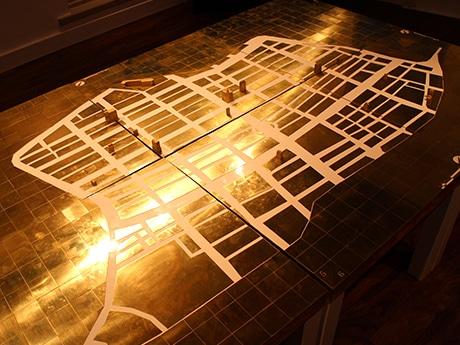 現存する「レトロ」なビルを銀座の地図上にマッピングした1000分の1の模型
