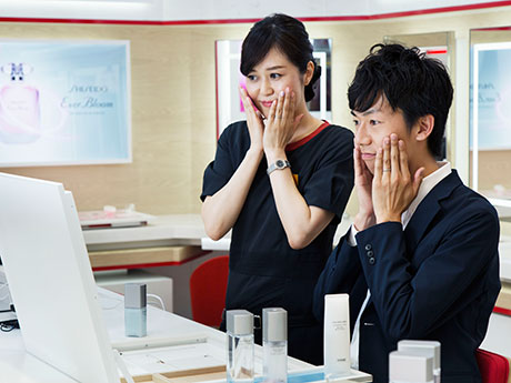 SHISEIDO GINZA SIX店で男性対象の美容セミナー スキンケアの基本など指南