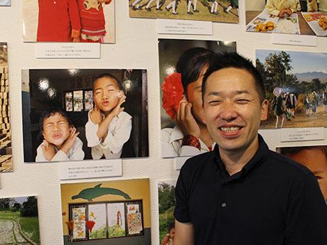 展示写真と吉岡大祐さん