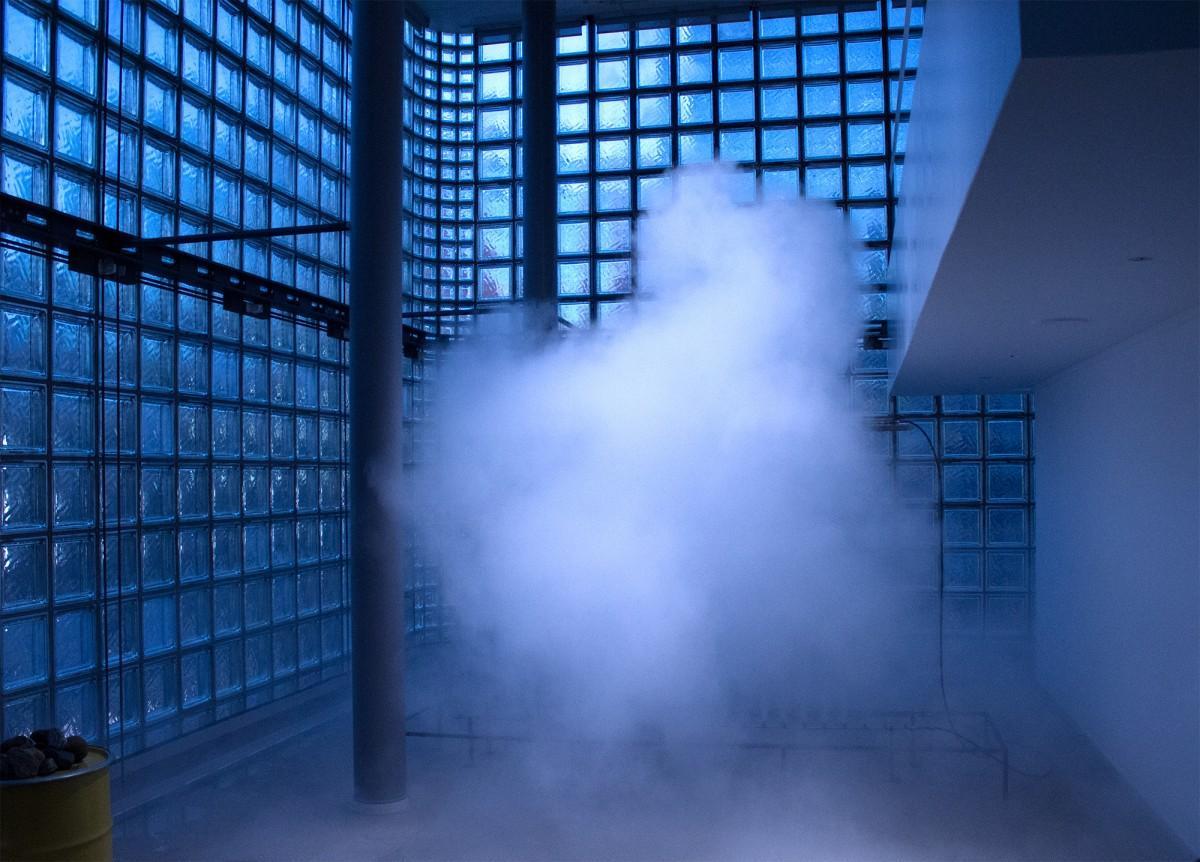 中谷芙二子さんの「霧の彫刻」
