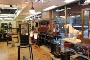 「アンティークモール銀座」がリニューアル 世界の骨董品1万点