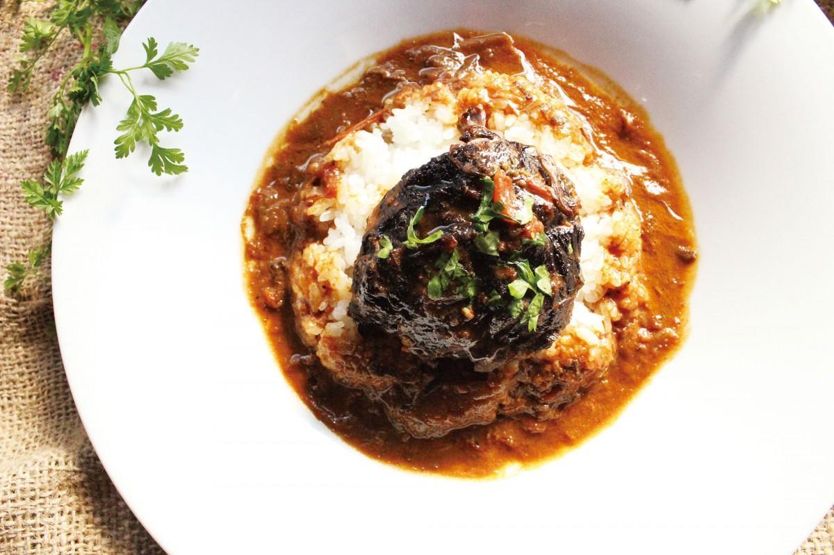 ホテルグレイスリー銀座「ボンサルーテ」のランチタイム限定メニュー「牛ホホ肉のカレー」