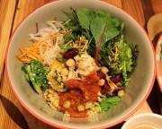 有楽町に「タニタカフェ」 野菜175グラムを補えるメニューそろえる