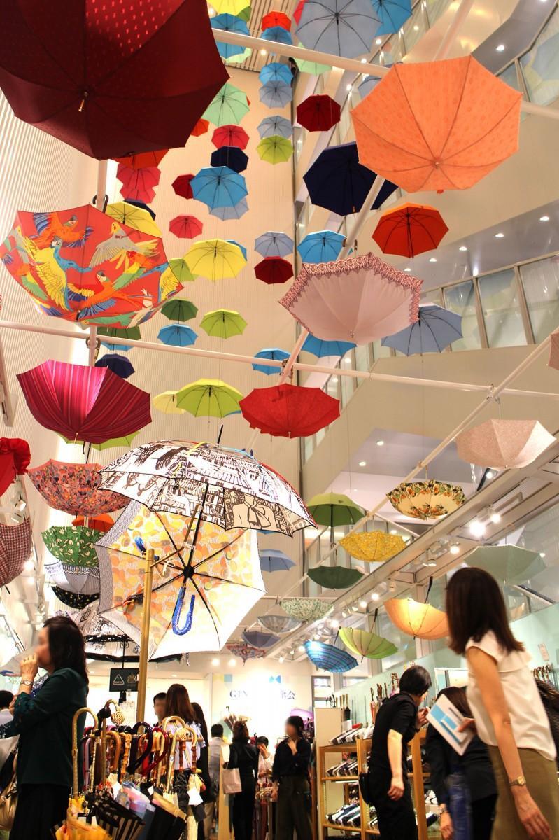 「GINZAの百傘会」の会場風景