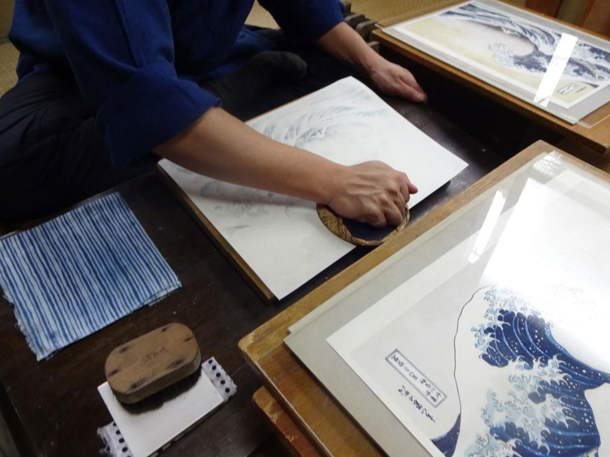 岡田拓也さんの作業風景