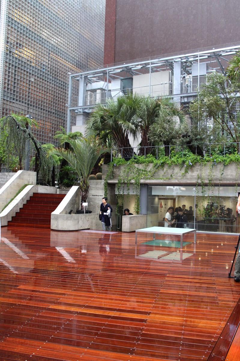 「Ginza Sony Park」の地上フロア