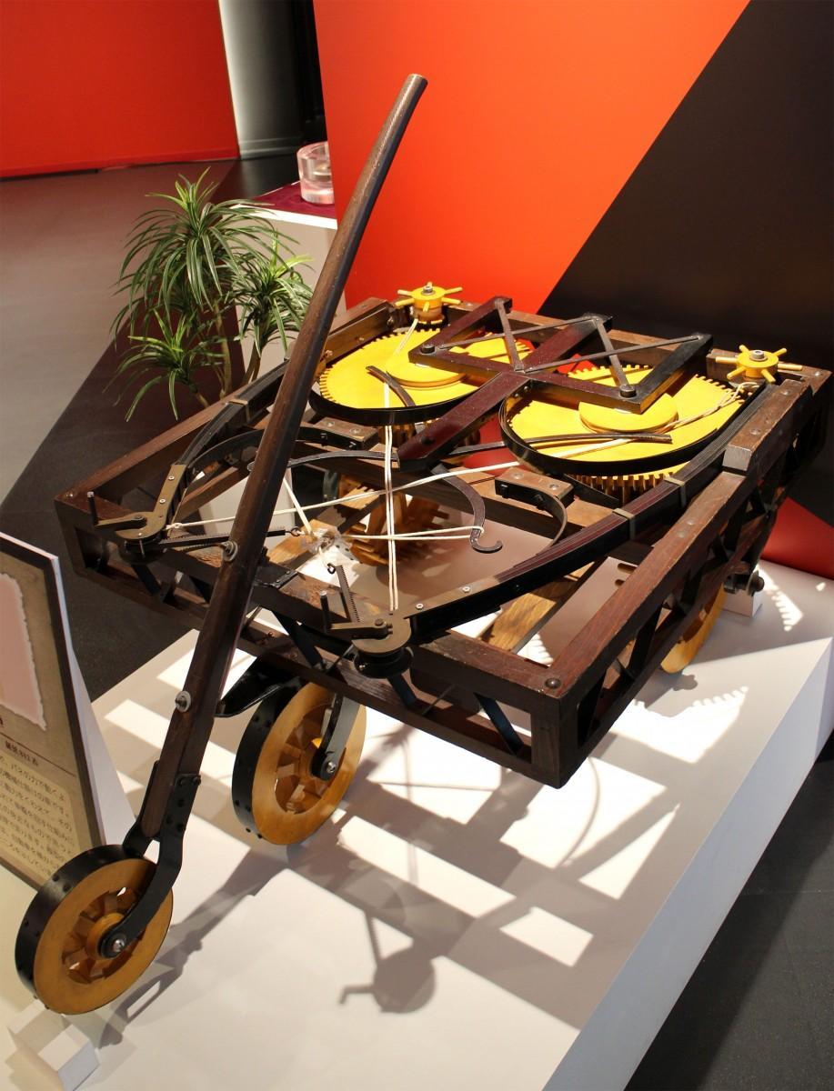 レオナルド・ダ・ヴィンチの手稿から再現した「自走車」
