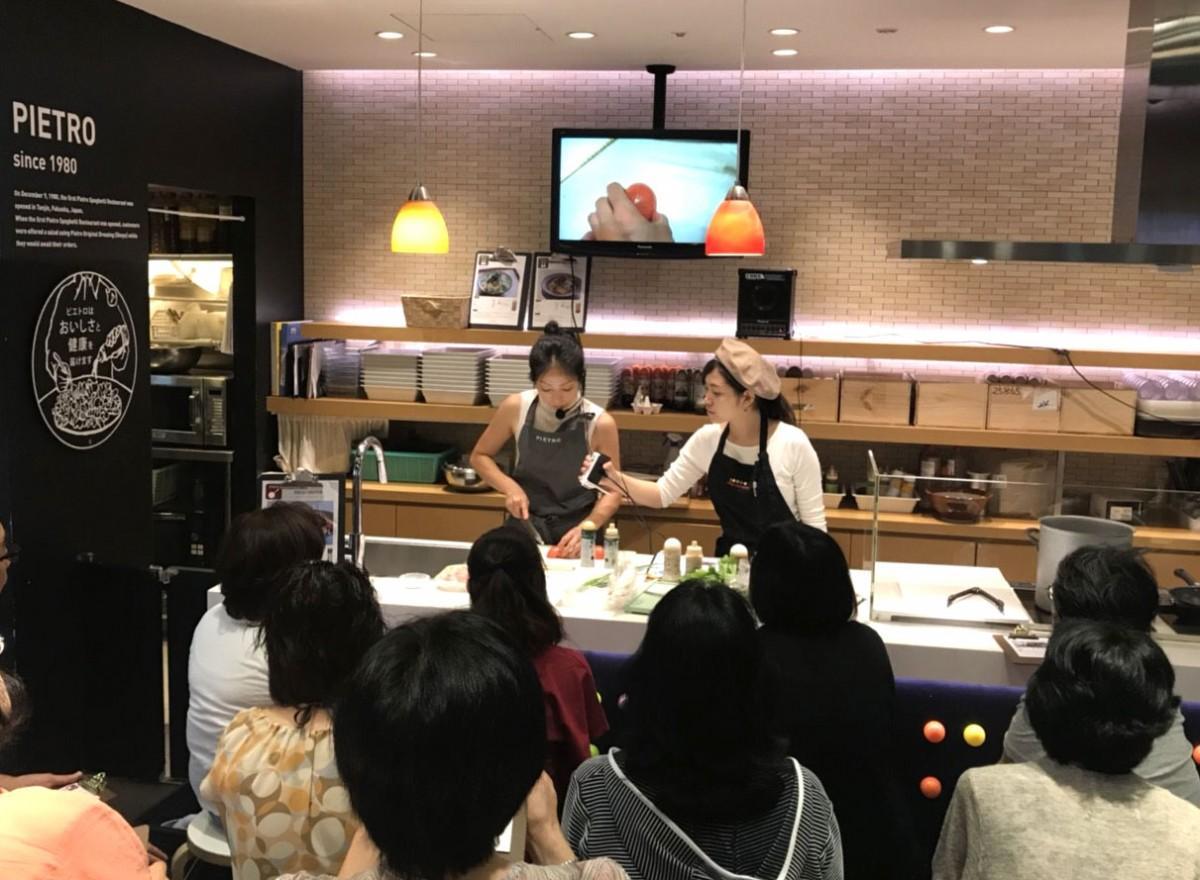 「ピエトロドレッシング有楽町店」での過去の料理教室の様子