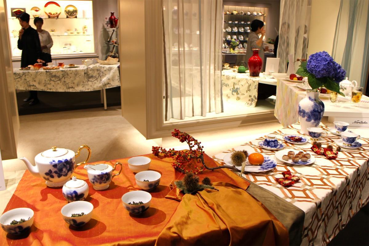 「茶とファブリック・器」展の展示風景