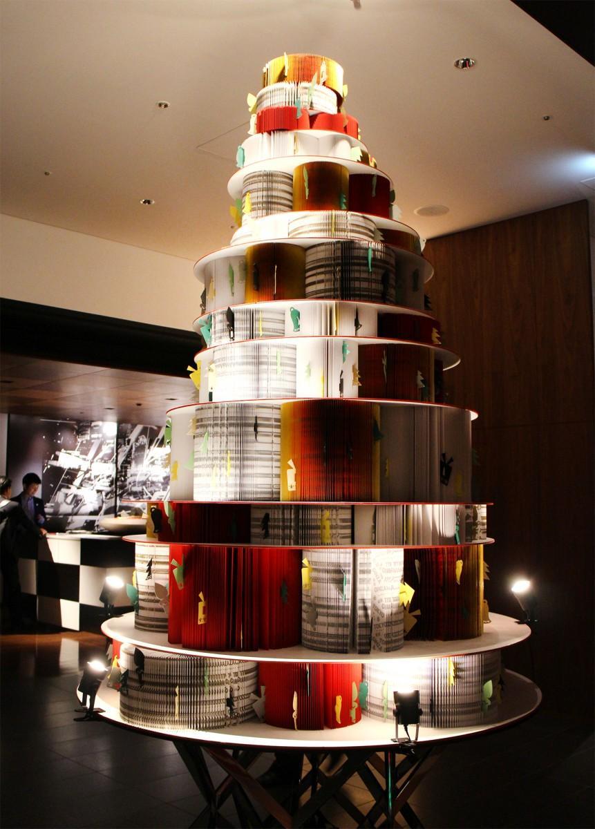 「ハイアット セントリック 銀座 東京」に設置されたクリスマスツリー