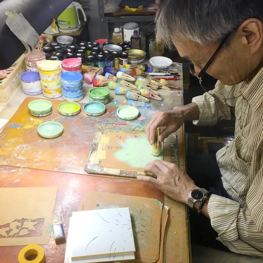 「京都の職人さんと型染めを体験しよう」の講師・山崎憲一さん